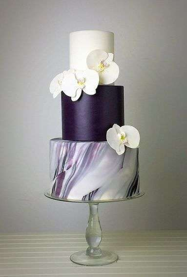 Beyaz Orkideli Mor Pasta
