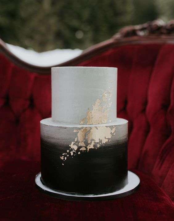 Altın Detaylı Siyah ve Gri Kısa Katlı Modern Pasta