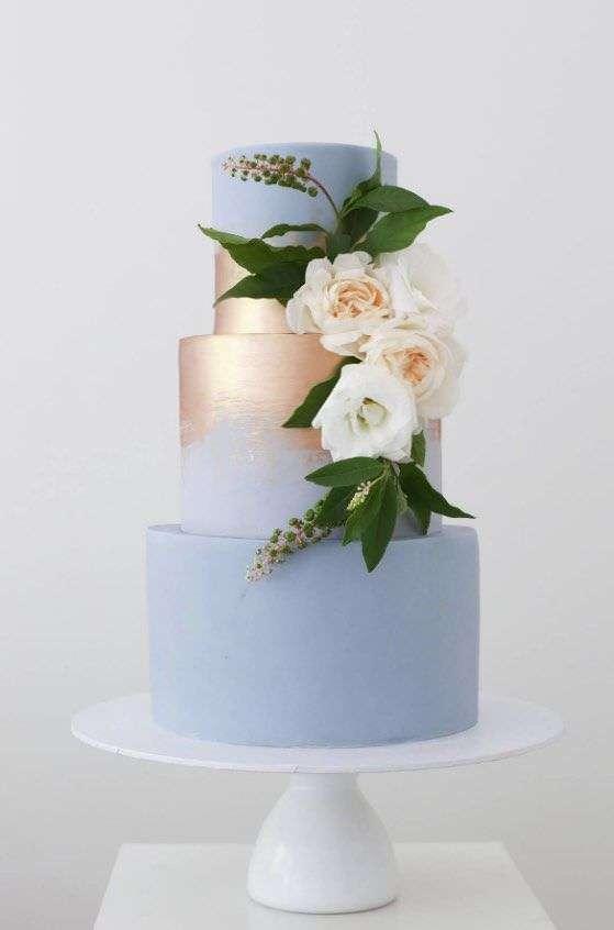 Gül ve Rose Altın Detaylı Mavi Pasta