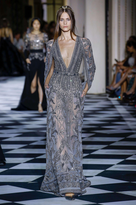 Zuhair Murad Koyu Gri Pelerin Detaylı İşlemeli Elbise
