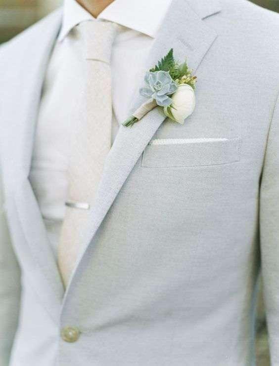Açık Renk Gömlek & Kravatla Tamamlanmış Açık Gri Takım Elbise Damatlık