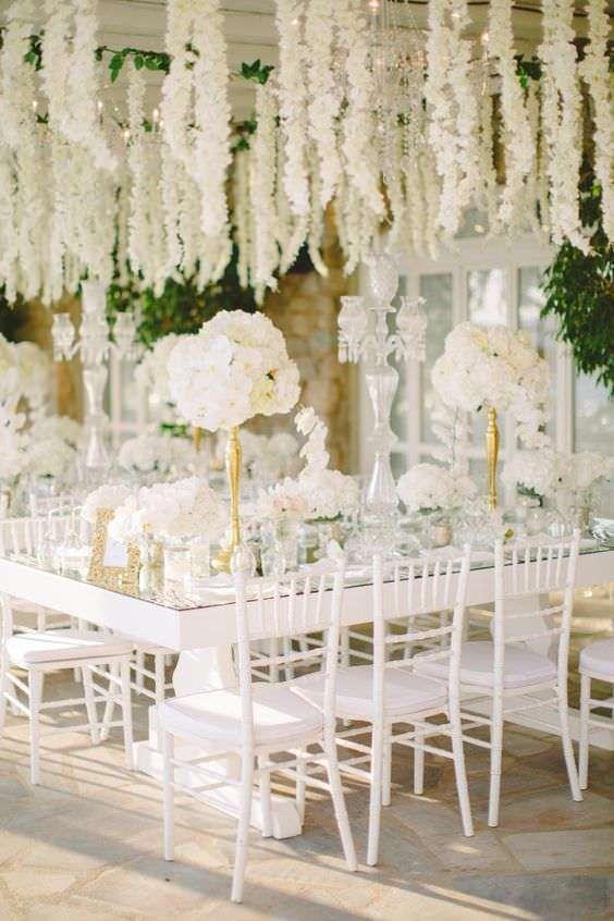 Beyaz Çiçek Ağırlıklı Dekorasyon