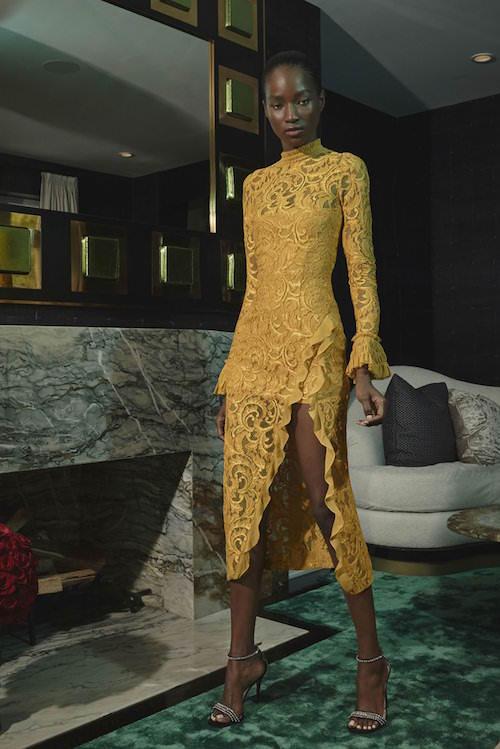 Alexis Uzun Kollu, Yırtmaçlı Sarı Güpur Midi Elbise