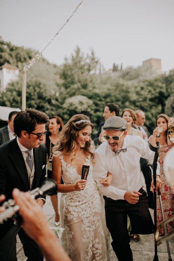 1 Yastıkta - Eğlenceli Düğün Fotoğrafı