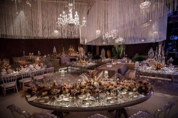 Lavin Event - Açık Renklerde Görkemli Düğün Dekorasyonu