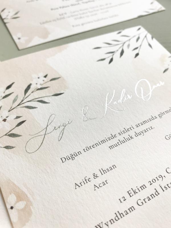 Mazu Studio - Davetiyede Gümüş Yazı Detayı