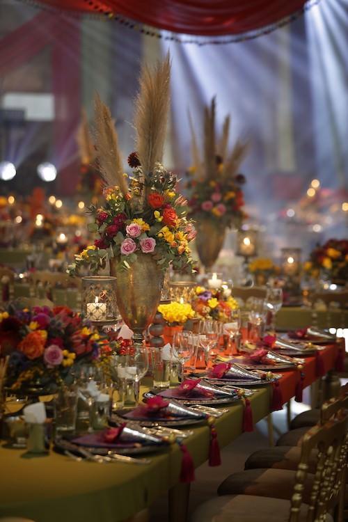 Mywedding - Bordo Ağırlıklı Masa Düzenlemesi