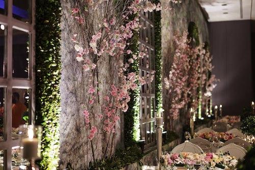 Mywedding - Pembe Çiçeklerle Duvar Süslemesi