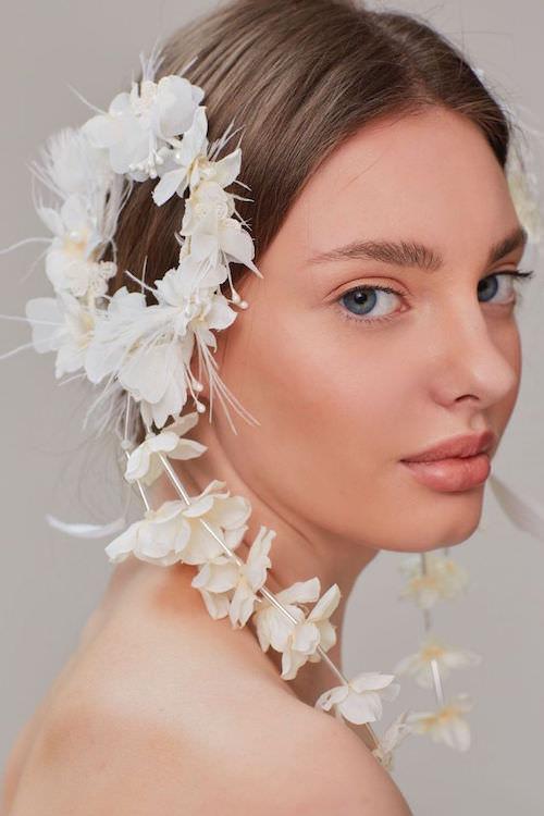 Saara İstanbul Çiçekli Beyaz Saç Aksesuarı