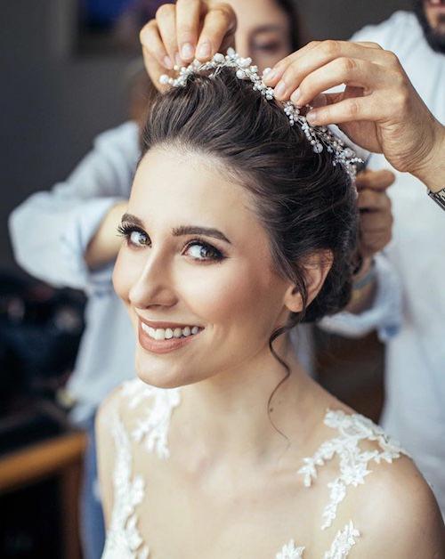 Vedat Kozgül Wedding - Saç Aksesuarıyla Doğal Topuz