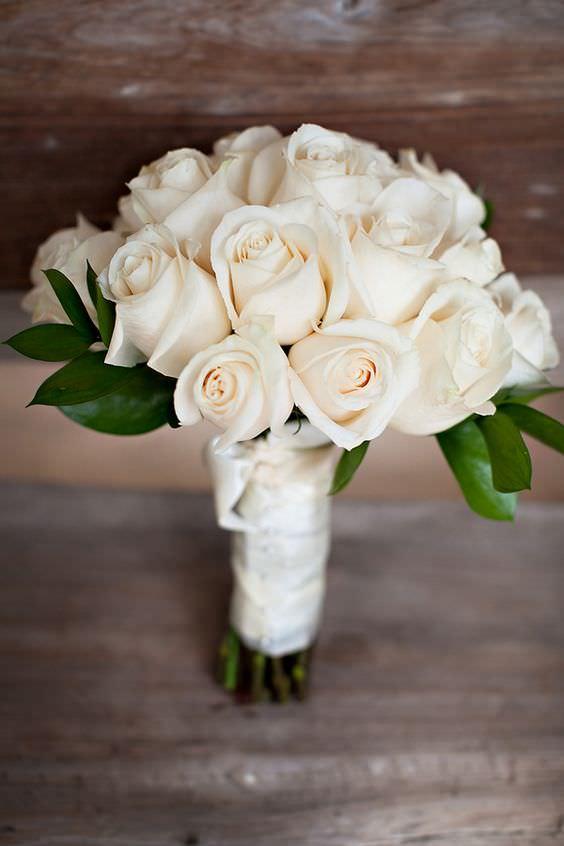 Klasik Beyaz Gül Buketi