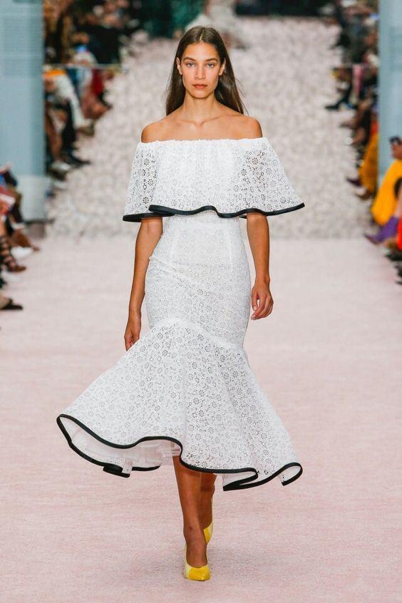 Peplum Etekli Siyah Şerit Detaylı Carolina Herrera Elbise