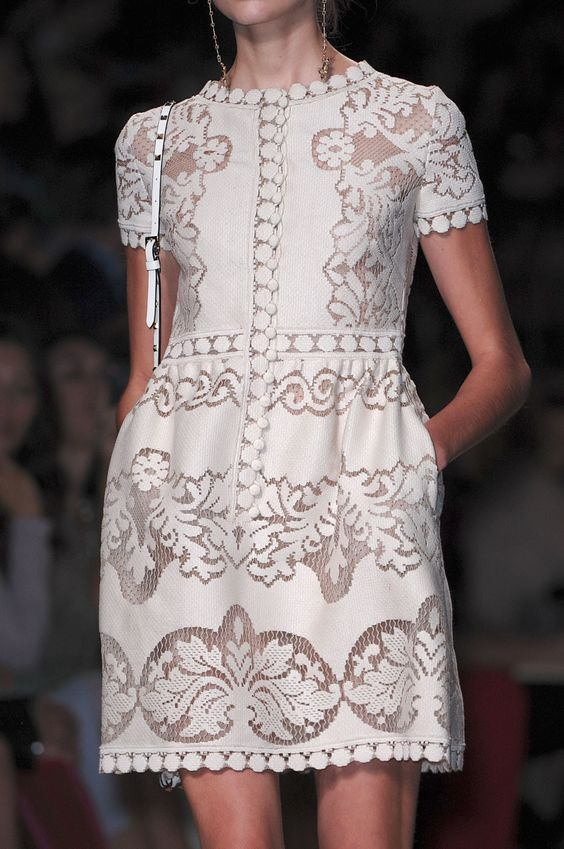 Valentino Kroşe Kumaş Kısa Kollu Elbise