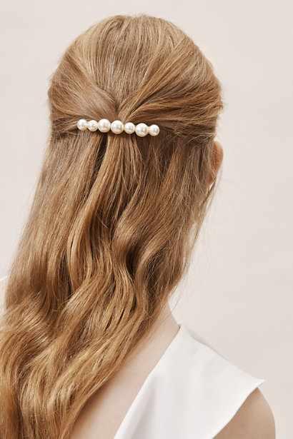BHLDN İnci Tokayla Toplanmış Yarım Toplu Saç