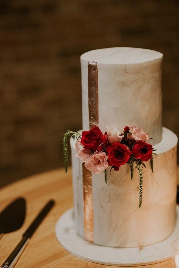 Rose Altın Detaylı Modern Pasta