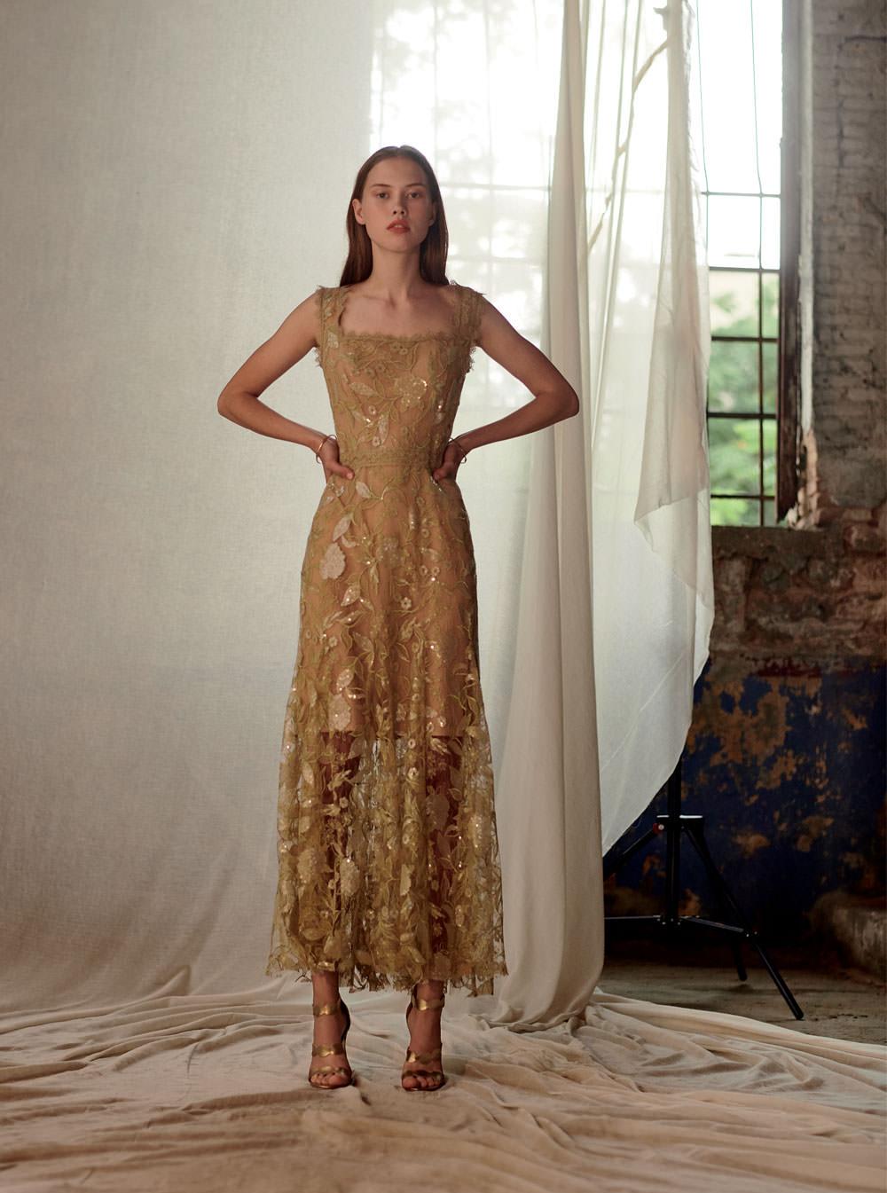 Costarellos Altın Çiçek İşlemeli Bilekte Elbise