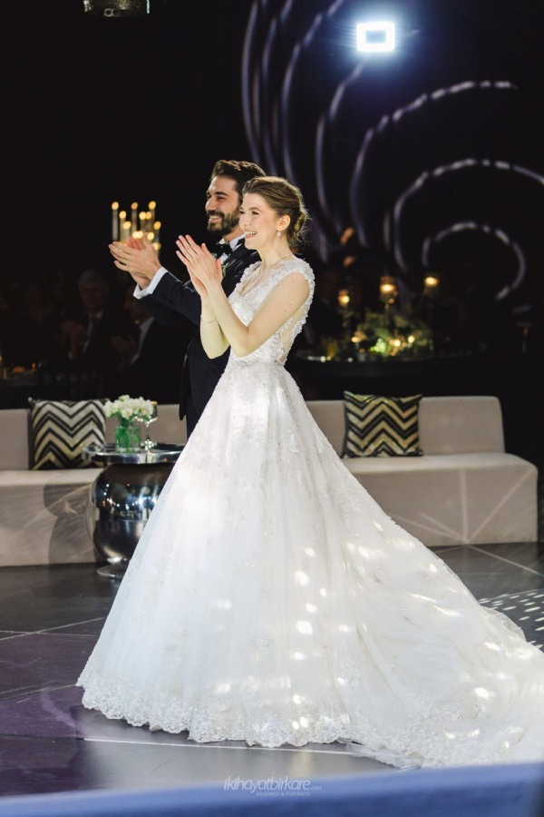 Begüm ve Ömer Kırbıyık'ın Swissotel Bosphorus'ta Gerçekleşen Şık Düğünü-Resim