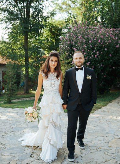 Melis ve Ruhican Karakaş'ın Şile Casa Lavanda'da Gerçekleşen Samimi Kır Düğünü