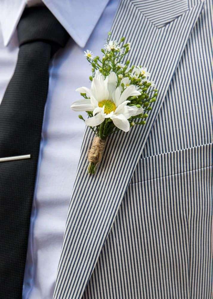 Papatya Yaka Çiçeği Detaylı Siyah-Beyaz Çizgili Takım Elbise Damatlık