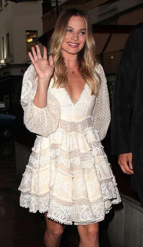 Margot Robbie'nin Zimmermann Elbisesi
