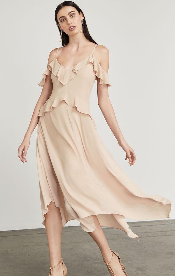 BCBG Düşük Omuzlu Bej Elbise