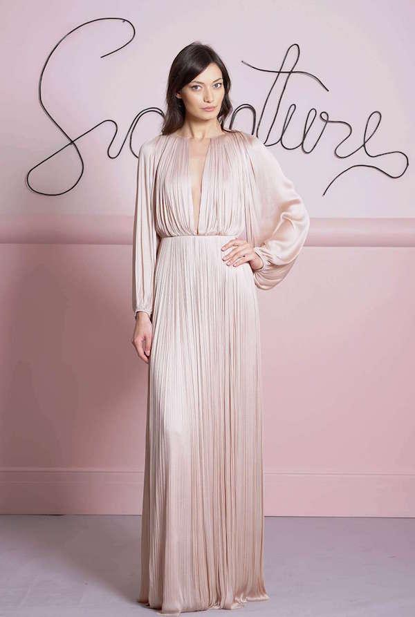 Maria Lucia Hohan Uzun Kollu Kum Rengi Uzun Elbise
