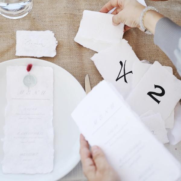 AY Paper Studio - El Yapımı Kağıttan Menü ve Masa Numaratörleri