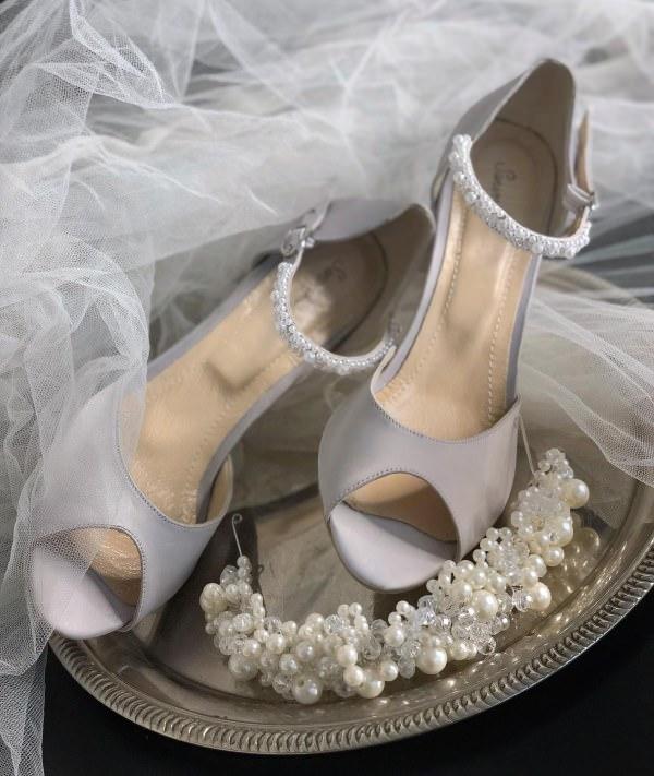 Sanemiko Burnu Açık & Gri Gelin Ayakkabısı