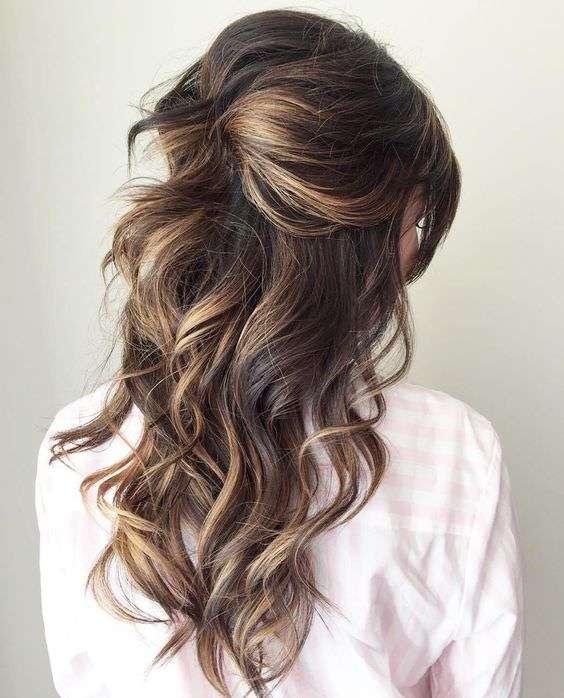 Doğal Yarım Toplu Gelin Saçı