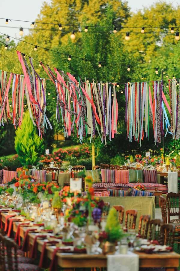 Aisha Weddings - Rengarenk Kır Dekorasyonu