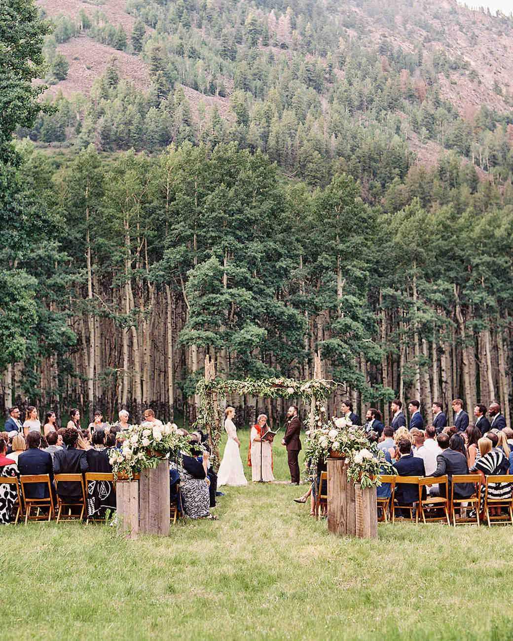 Ormanda Kır Düğünü Seremoni Alanı Dekorasyonu