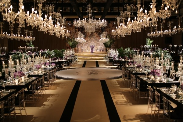 Brides Project - Avizelerle Şık Salon Dekorasyonu