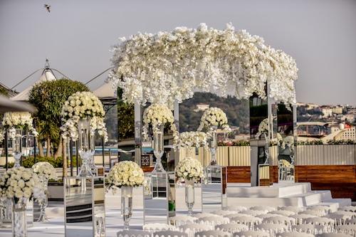 KM Events - Beyaz Çiçeklerle Nikah Alanı Düzenlemesi